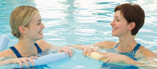 Cours de préparation à l'accouchement piscine à Nîmes.